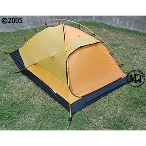 Hilleberg Jannu mountaineering tent; view with model