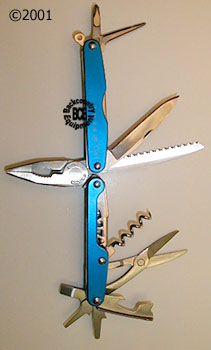 Leatherman Juice CS4 Glacier, photo of tools open